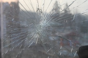 broken-glass-269716_640