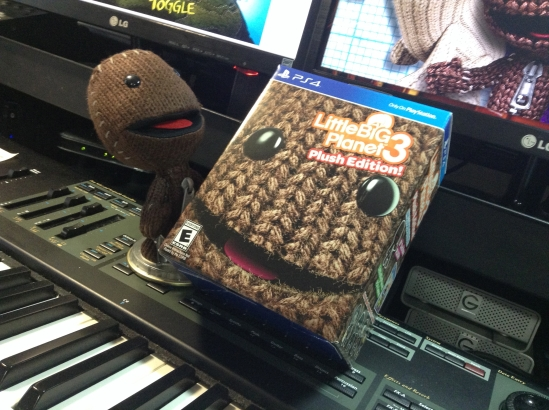 I think Sackboy is taking over this unboxing.